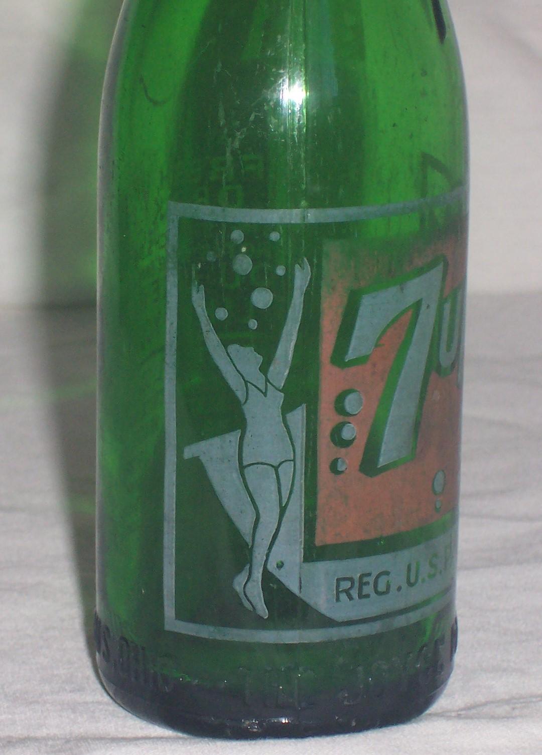 7 bottle old up Vintage 7Up