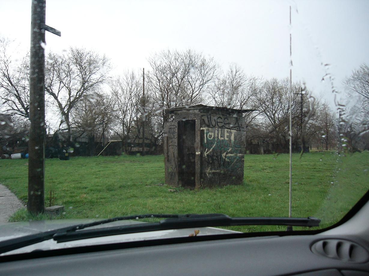 homelessbumouthouse.JPG