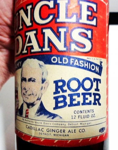 Uncle Dans Root Beer Cadillac Ginger Ale Co. Paper Label.jpg